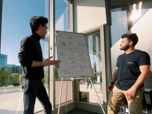 jesús orozco explicando una estrategia para ecommerce y de por qué las agencias no funcionan